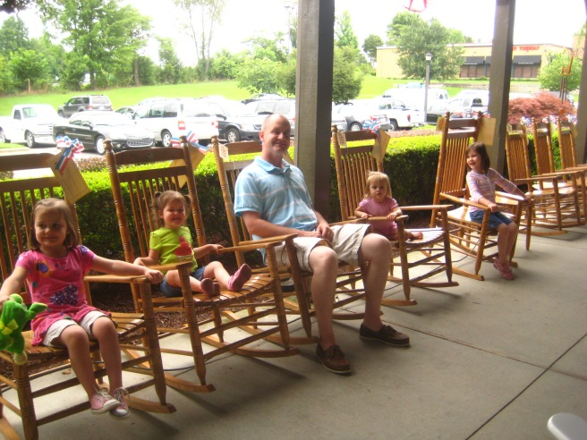 Shootin' the breeze after a yummy mid-trip lunch at Cracker Barrel